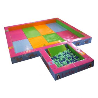 Soft Play 5m x 5m Play pit with 2m Ball Pit